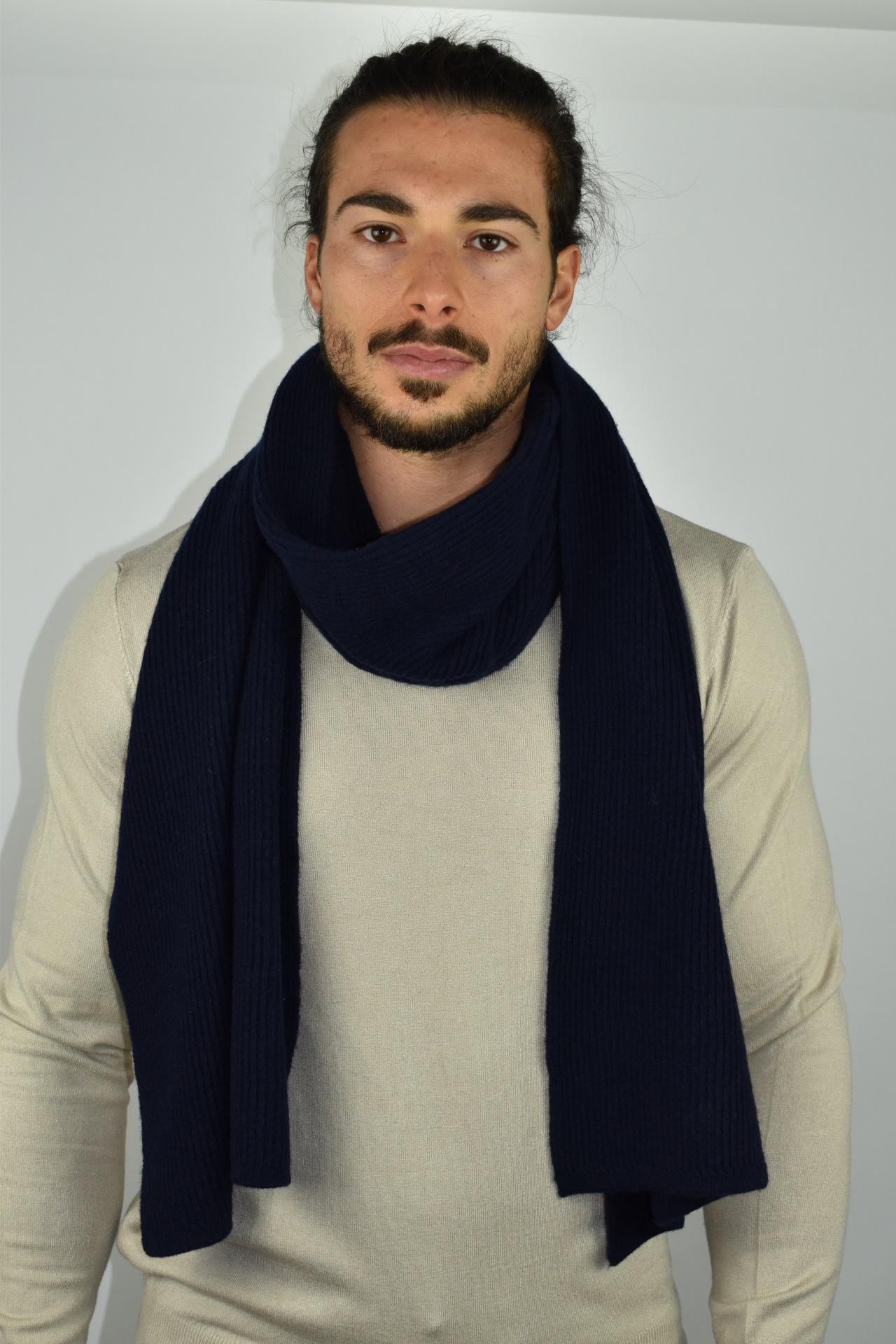 JURIDARIO NAVY SCIARPA UOMO 100 PURO CASHMERE COSTE LARGHE 2 1stAmerican sciarpa da uomo 100% puro cashmere Made in Italy a coste larghe - calda sciarpa invernale
