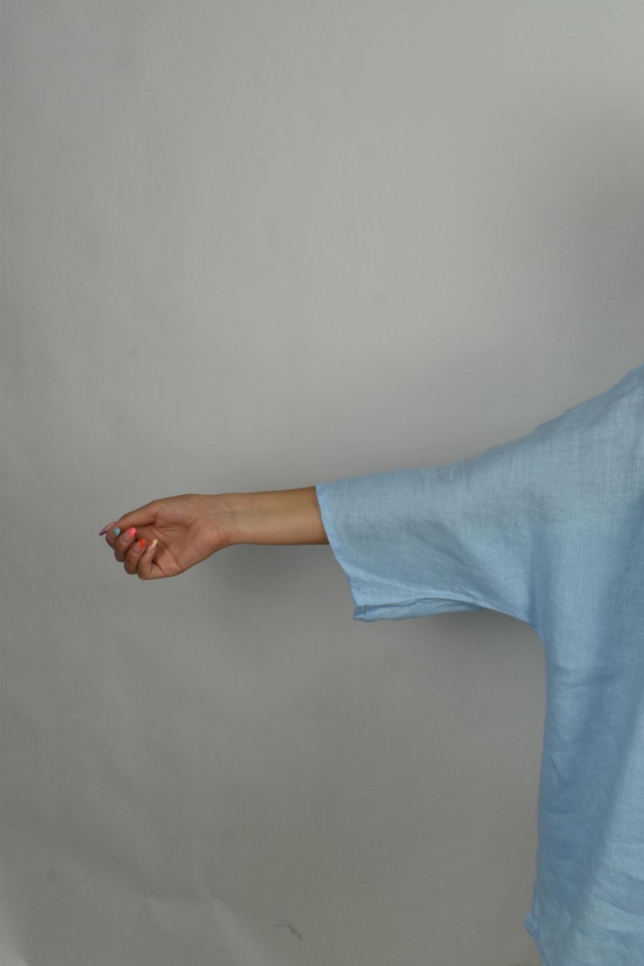 MAGMAXPE2101 AZZURRO MAGLIA DA DONNA GIROCOLLO CON MANICA A 34 100 LINO 4 1stAmerican maglia da donna girocollo con manica a 3/4 100% lino Made in Italy - t-shirt manica corta da donna mare in lino